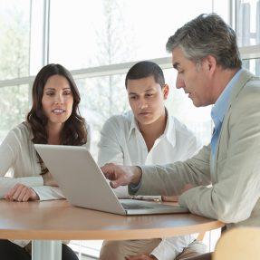 Comment déclarer ses impôts : aide à la déclaration d'impôts au titre du service à la personne