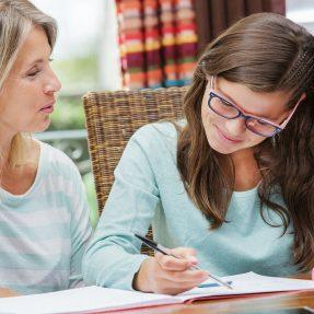 Pour arriver serein aux examens, pensez aux cours à domicile !