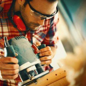 Quelles précautions prendre avant d'effectuer de petits travaux chez soi ?